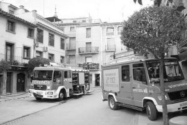 Cinco desalojados tras declararse un fuego en un edificio de viviendas de 3 alturas
