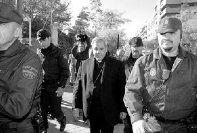 El arzobispo de Granada, absuelto de un delito de injurias y coacciones