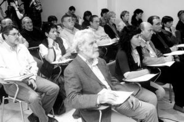 Animan a los ayuntamientos a crear trabajo para condenados