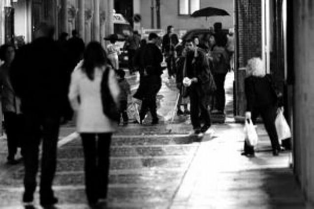 Aumenta la presencia de personas que estafan en las calles de Pamplona