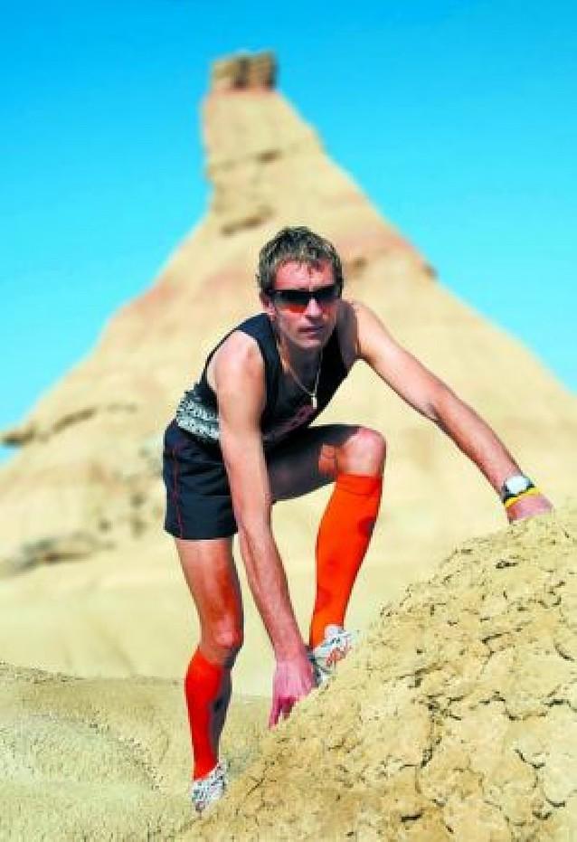 El atleta tafallés Ricardo Abad prepara dos retos deportivos