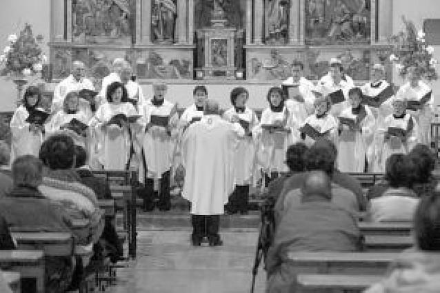 Entrega de una partitura de Ugarte a la basílica
