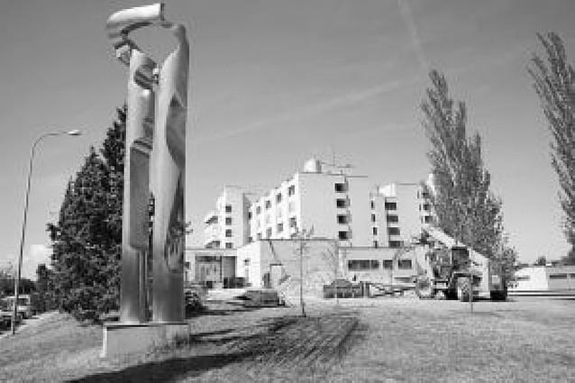 El hospital de Tudela dispondrá de 112 nuevas plazas de aparcamiento en un plazo de seis meses
