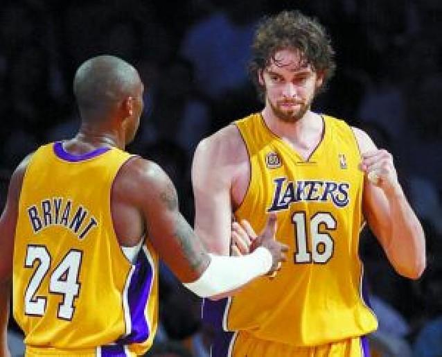 El dúo Bryant-Gasol lleva a los Lakers a su segunda victoria