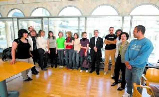 Profesores para programas bilingües viajan a Canadá