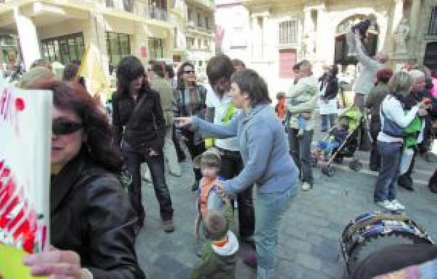 Sólo 88 de los 765 niños asisten a las escuelas infantiles de Pamplona en su jornada de huelga