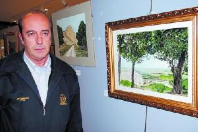 """""""Utilizo fotografías antiguas para pintar los cuadros"""""""