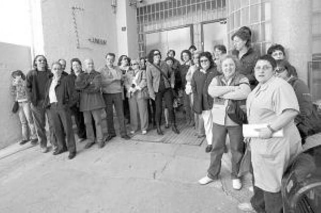 Cunbur amenaza con cerrar si la plantilla no acepta los despidos