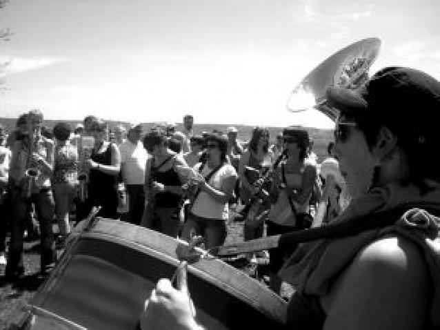 Santa Cecilia reunió en torno a su ermita a más de mil vecinos de Arróniz