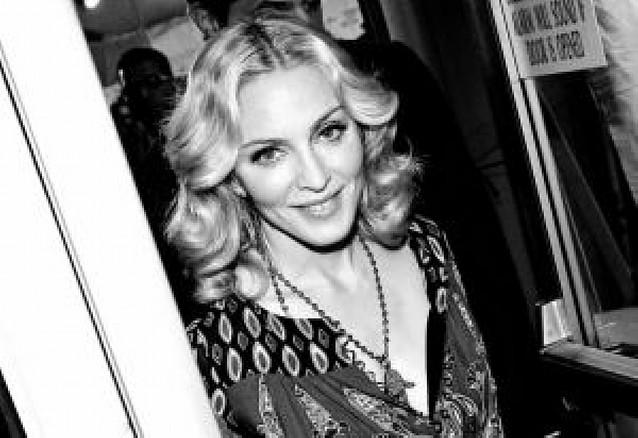 "Madonna lanza ""Hard Candy"", un caramelo con sabor a pop, dance y música urbana"