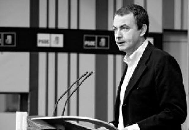 """Zapatero destaca la """"fortaleza"""" de las cuentas públicas para la cobertura del paro"""