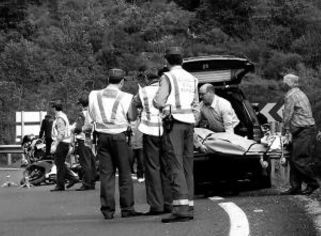 Un choque entre cuatro motos provoca tres muertos en Asturias