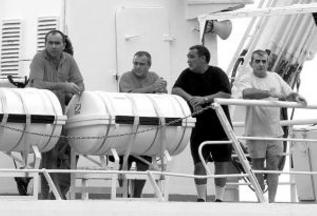 """""""No nos pegaron pero el trato fue muy vejatorio"""" dice el patrón del """"Playa de Bakio"""""""