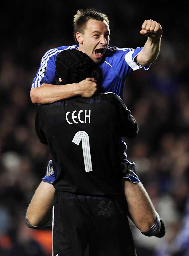 Drogba hunde al Liverpool y mete al Chelsea en la final (3-2)
