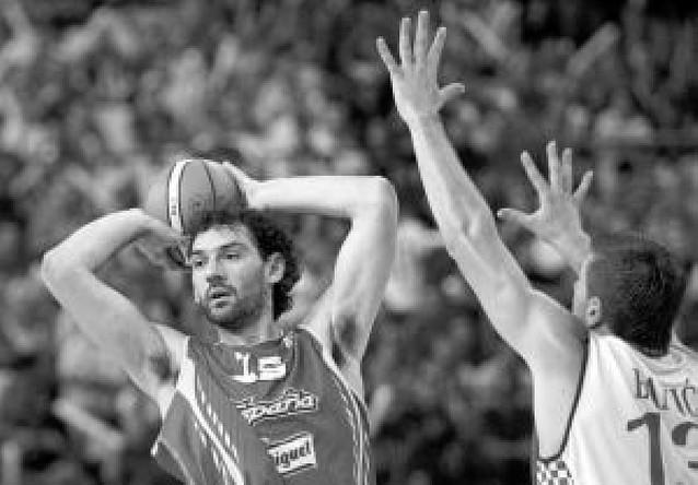 Los Toronto Raptors prohíben a Garbajosa jugar en Pekín