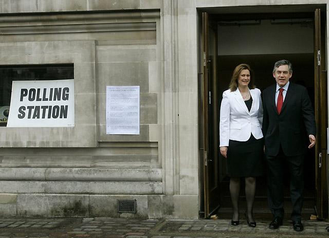Millones de personas votan en Inglaterra y Gales y a la alcaldía de Londres