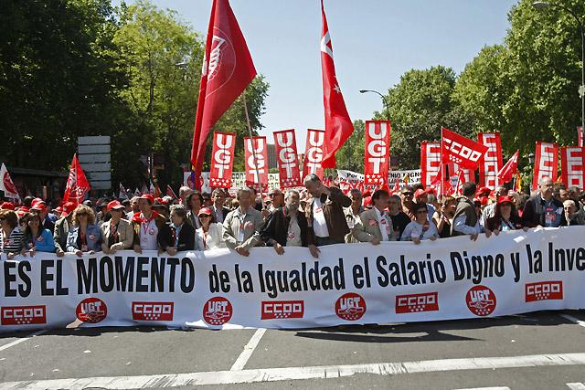 Miles de personas se manifiestan en Madrid para pedir más igualdad y mejores salarios