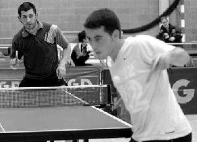 Más de 200 jugadores en la fiesta del tenis de mesa de Oberena