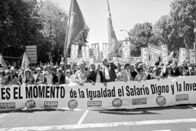 """CC OO y UGT dicen que no tolerarán que los trabajadores paguen el """"pato"""" de la crisis"""