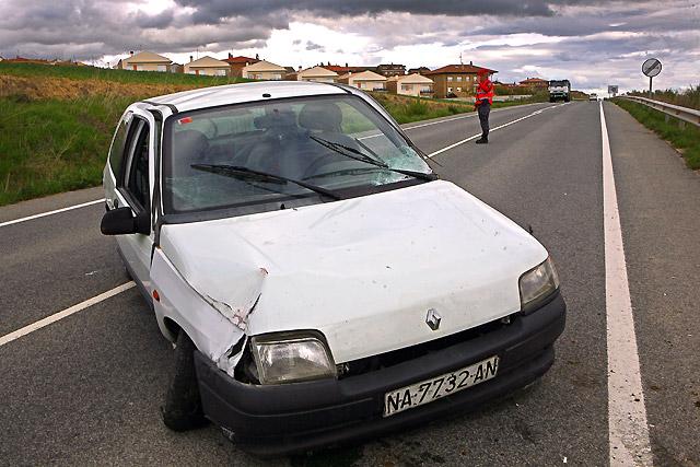 Los fallecidos por accidentes de tráfico en Navarra descienden cerca del 60% en 2008