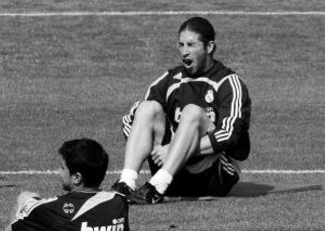 Ramos y Metzelder vuelven al grupo, y Guti sigue sin trabajar