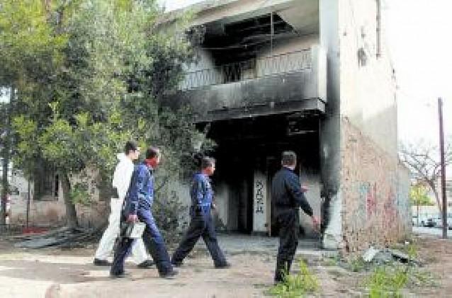 Un muerto y tres heridos en el incendio de una vivienda abandonada en Alicante
