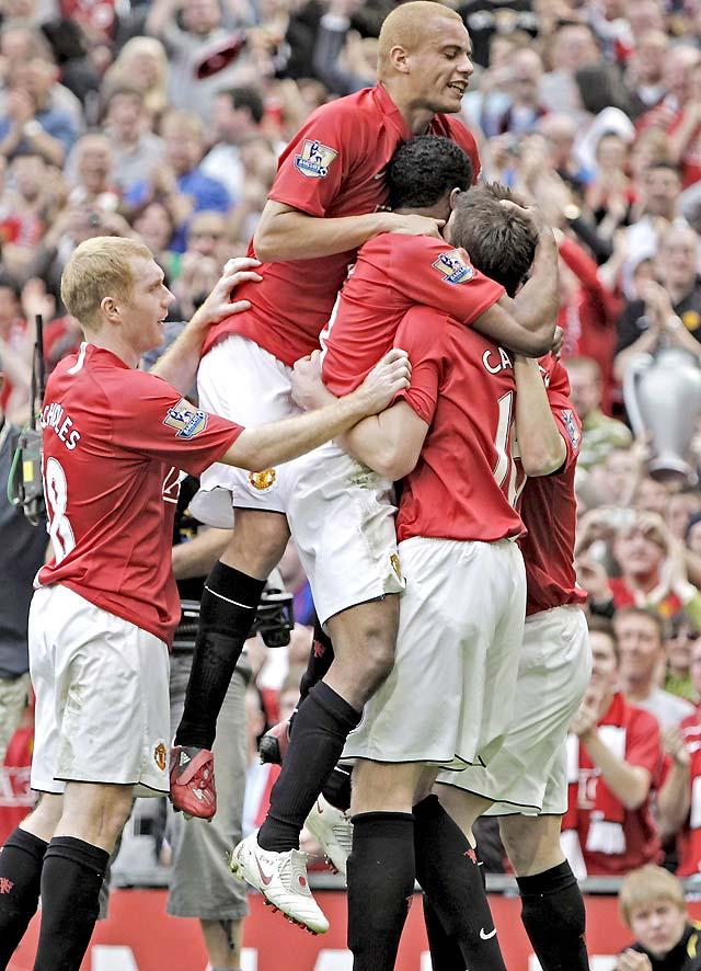 El Manchester United golea al West Ham (4-1) y se acerca a un sólo paso del título