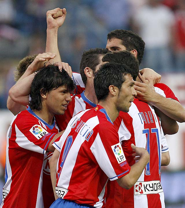 Un triunfo convincente reanima al Atlético (3-0)