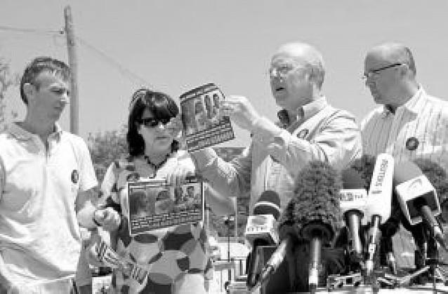Familiares de los McCann recuerdan un año después la desaparición de la pequeña