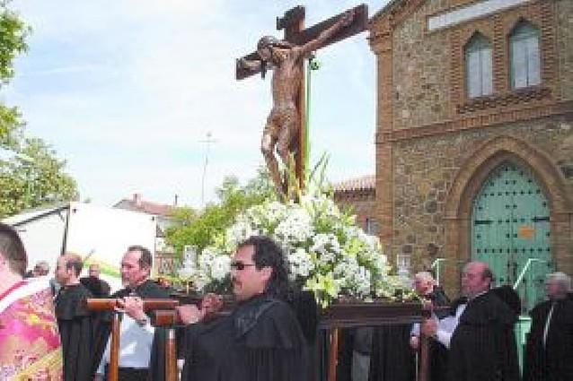 Los Ballesteros de la Santa Cruz celebran su fiesta anual