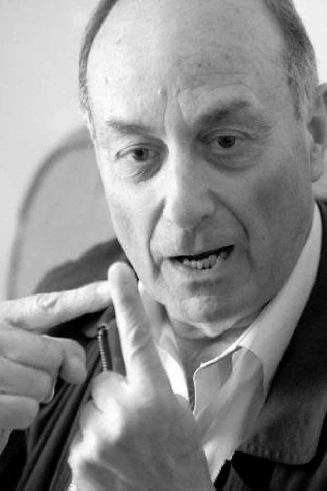 Francisco Frutos no optará a la reelección como secretario del PCE