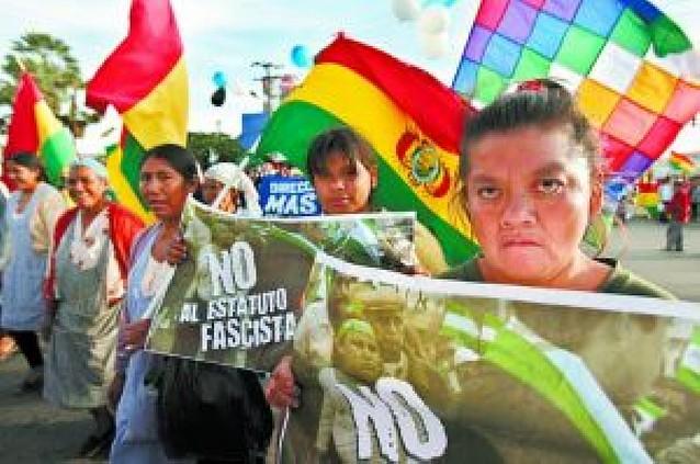 Santa Cruz desafía a Evo Morales