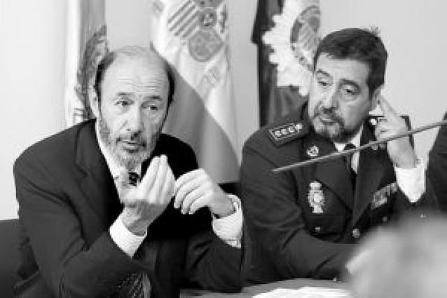 """Rubalcaba: """"ETA no puede atentar por la noche y hacer política al día siguiente"""""""