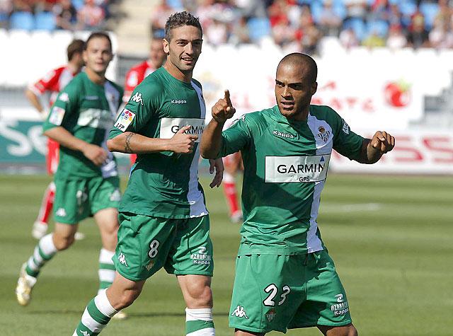 El Betis se acerca a la permanencia y el Almería se despide de la UEFA