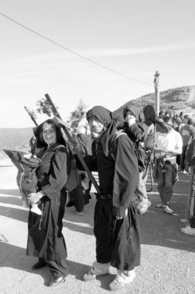 Mil peregrinos en la tercera romería a Ujué