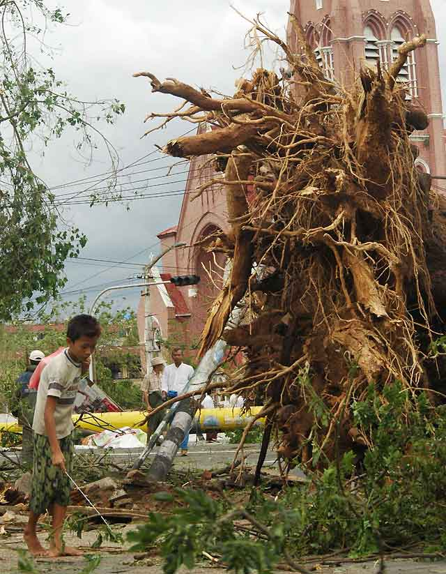 El Gobierno birmano teme que la cifra de muertos por el ciclón 'Nargis' llegue a 10.000