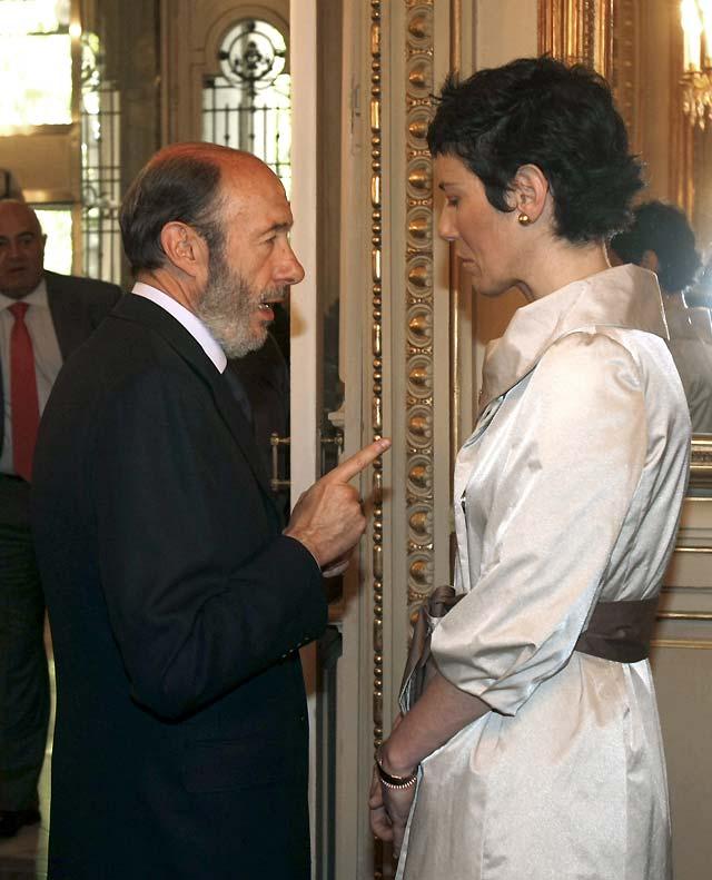 Elma Sáiz toma posesión de su cargo como delegada del Gobierno en Navarra