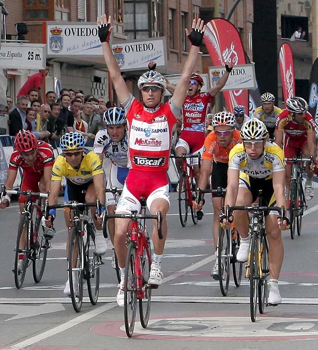 Garzelli gana al sprint y Vicioso sigue líder de la Vuelta Ciclista a Asturias
