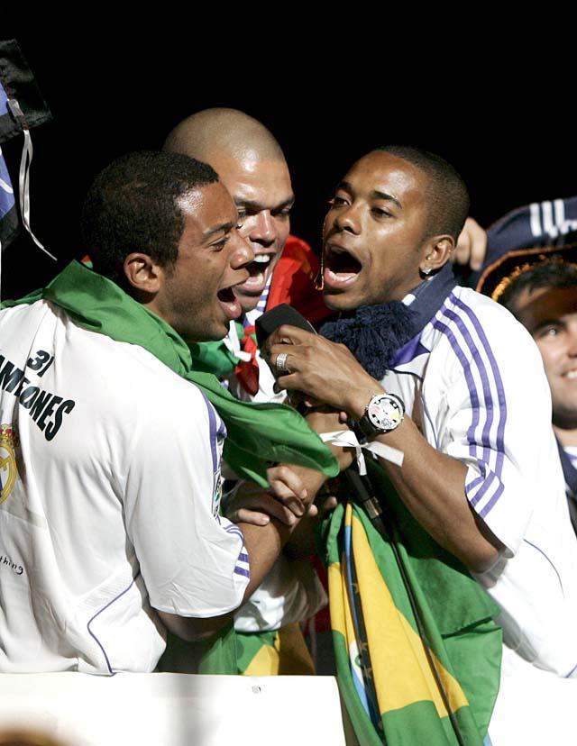 Decenas de miles de aficionados celebran el título de Liga del Real Madrid