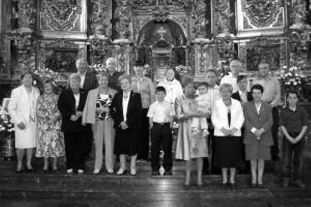 La Vera Cruz de Azagra recibió a 17 cofrades en su fiesta anual