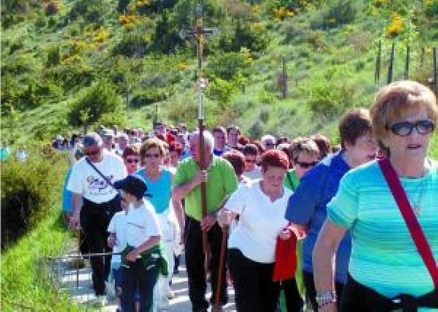 La romería a San Román reúne a unos 400 de vecinos de Aoiz