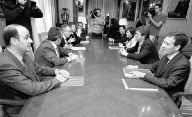 Una reforma fiscal sustituirá en la Comunidad foral a los 400 euros