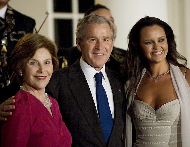 Bush ensalza las relaciones con México en la celebración de su último 5 de mayo
