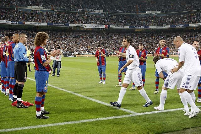 El Real Madrid se divierte con un Barça decadente (4-1)