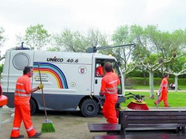 El servicio de limpieza de Berriozar incorpora una nueva barredora