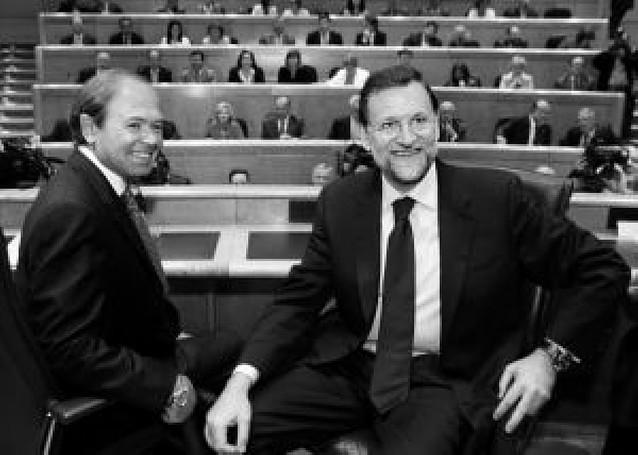 Dirigentes del PP exigen a Rajoy que dé a conocer ya su equipo