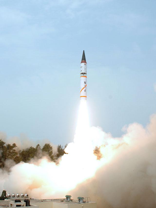 La India prueba con éxito su misil nuclear más potente