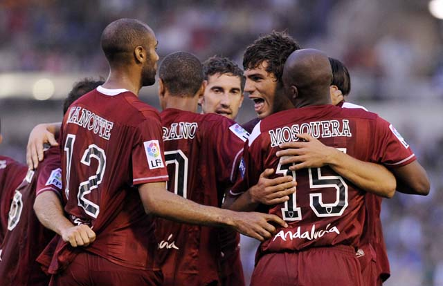 El Sevilla se acerca a la Champions y el Racing ve peligrar su puesto en la UEFA