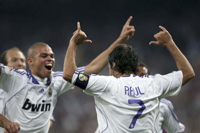 El Sevilla roza la Champions, el Racing se aleja de Europa