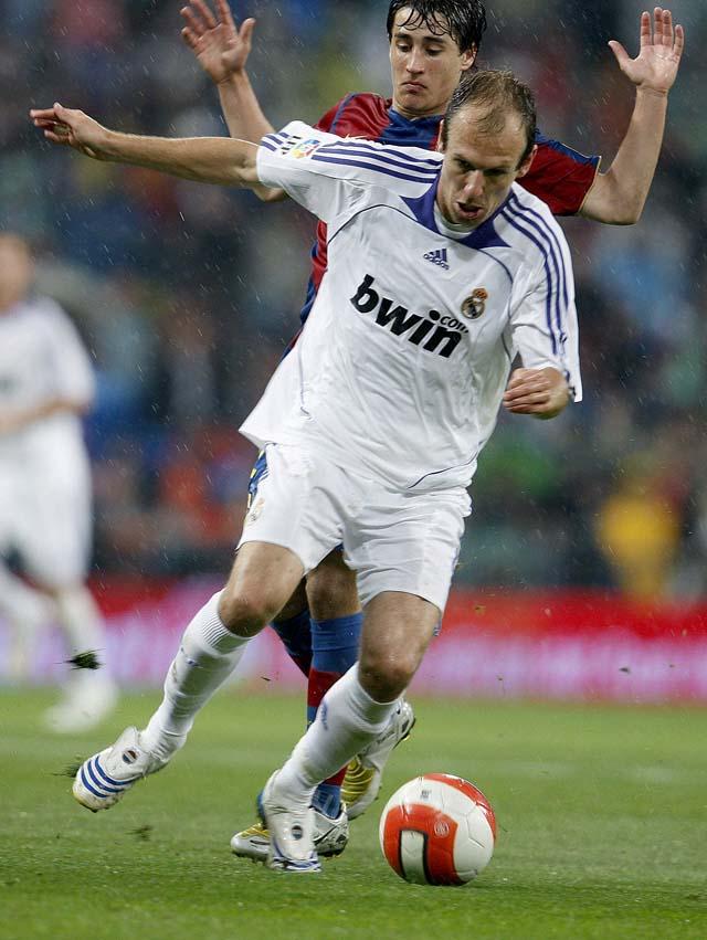 El Valencia hunde al Zaragoza